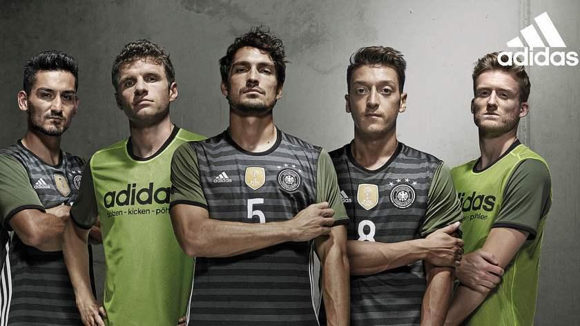 csm_84756-adidas_DFB_away-kit_1360_2_874771a782